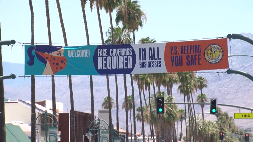 palm springs face covering sign
