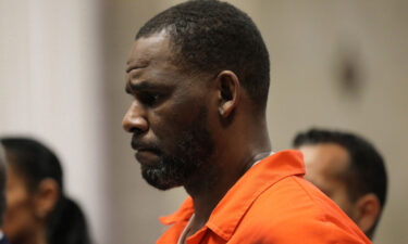 R. Kelly appears during a hearing at the Leighton Criminal Courthouse in Chicago on September 17