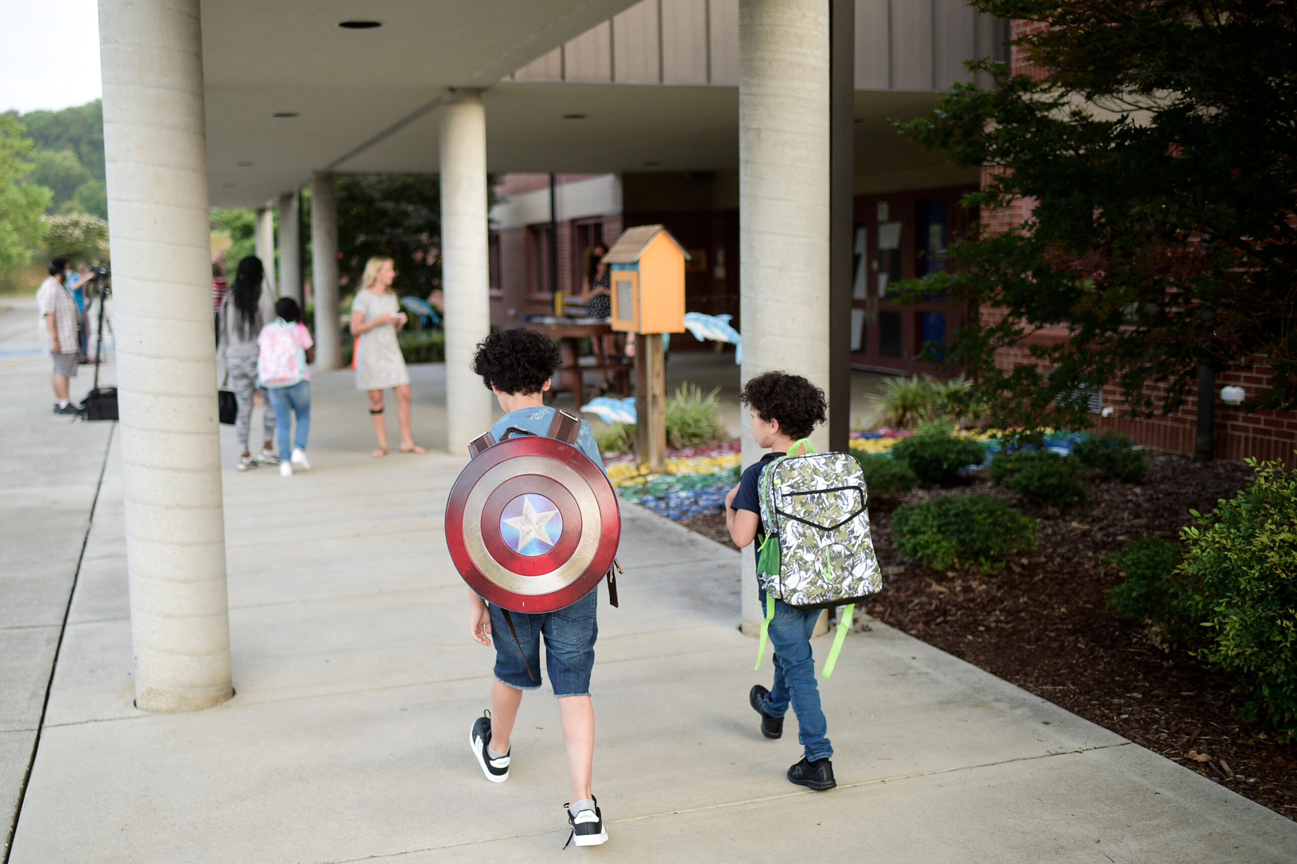 <i>Calvin Mattheis/News Sentinel/USA Today Network</i><br/>Students arrive on the first day of Knox County Schools at Dogwood Elementary School in Knoxville on August 9