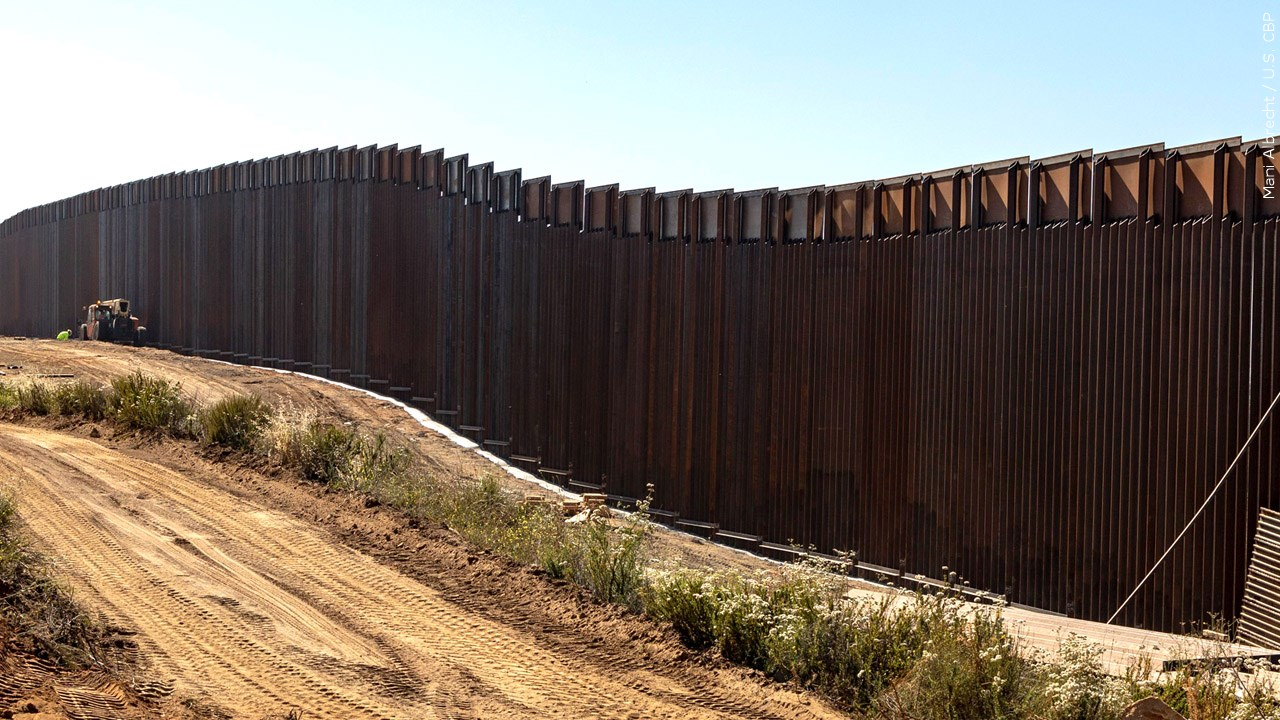 US-Mexico border wall near Calexico Port of Entry, Photo Date: 6/19/2019
